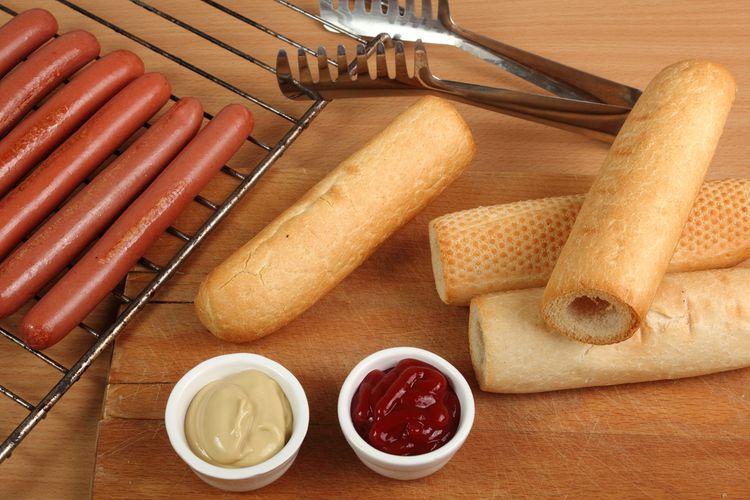 Príprava domácich hotdogov