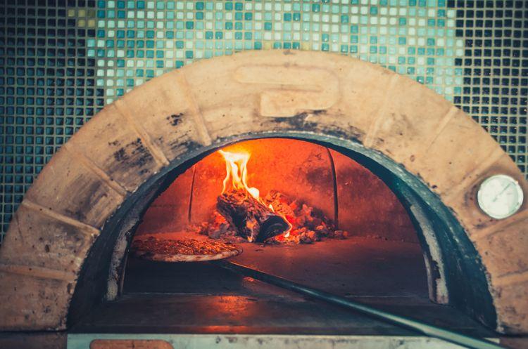 Murovaná pec na pizzu