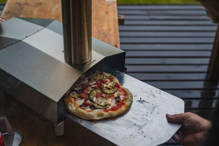 Plynová pizza pec na terase