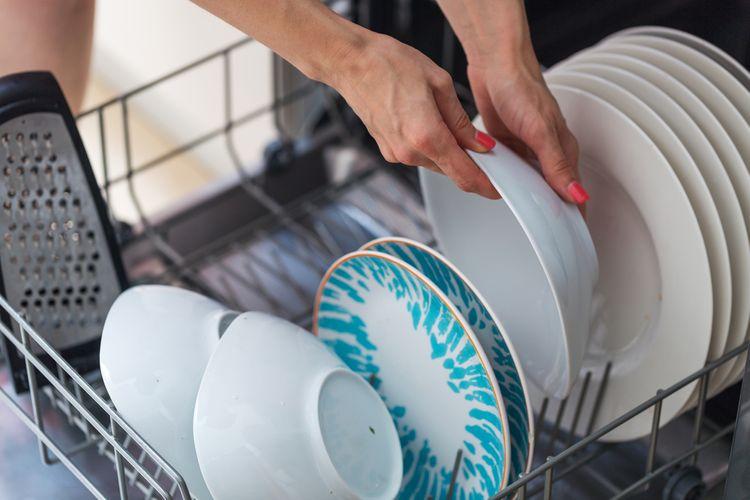 Ako správne používať umývačku riadu: ukladanie riadu, kam naliať leštidlo, ako použiť soľ