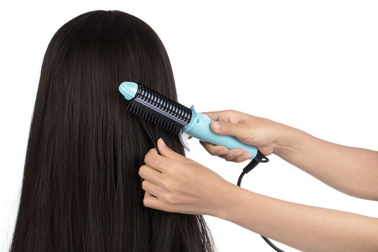 Ako správne používať žehliacu kefu na vlasy?