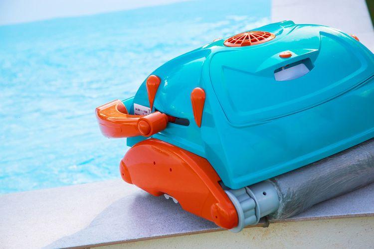 Automatický/robotický bazénový vysávač