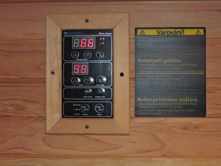 Ovládací panel na infrasaune