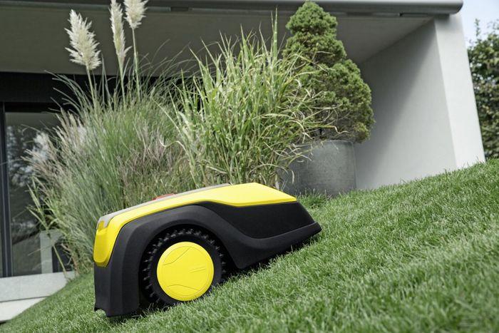 Kosenia trávnika robotickou kosačkou Kärcher RLM 4