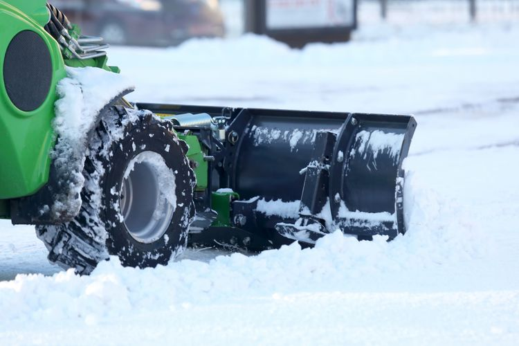Snehová fréza s kolieskami