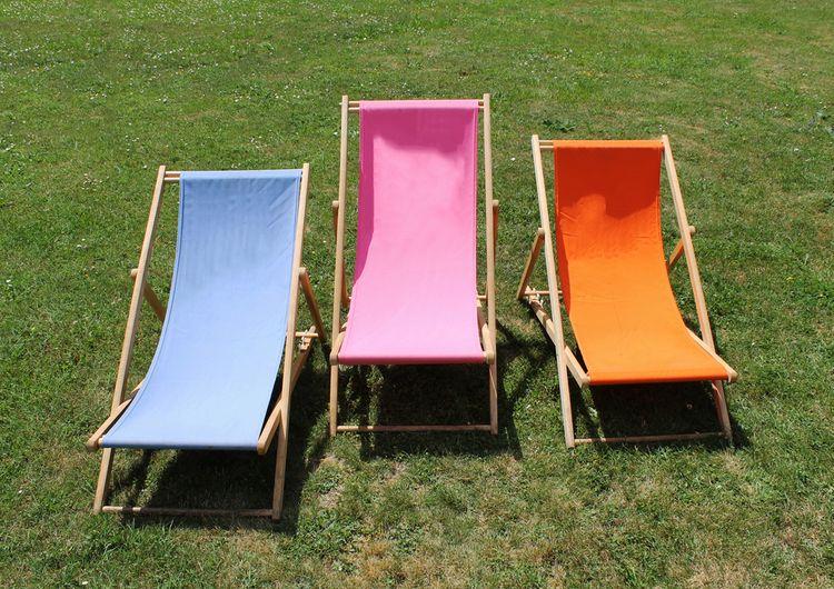 Farebné textilné záhradné ležadlá
