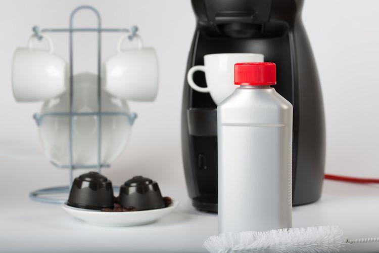 Tekutý prípravok na odvápnenie kávovaru