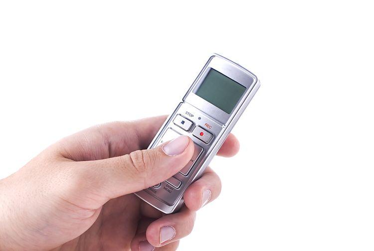 Strieborný mini diktafón
