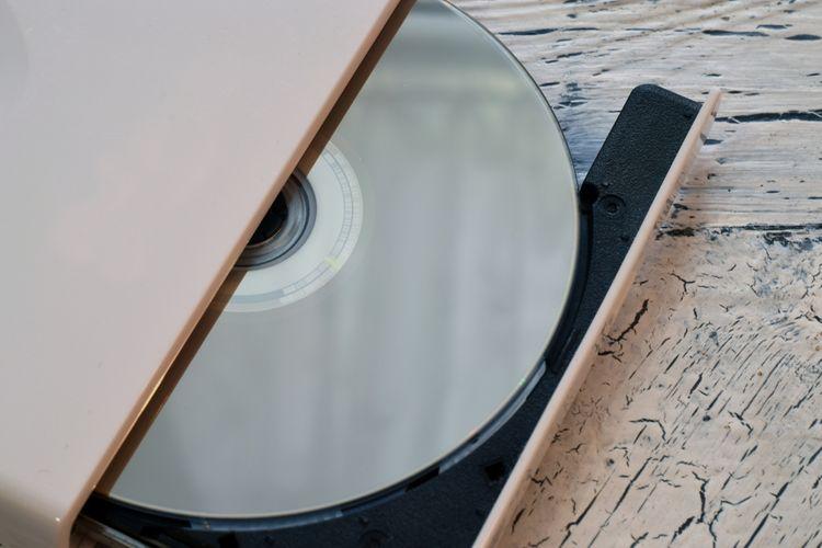 Otvorená externá DVD mechanika