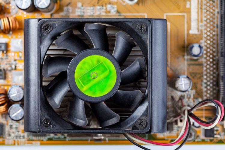 Trojpólový chladič CPU