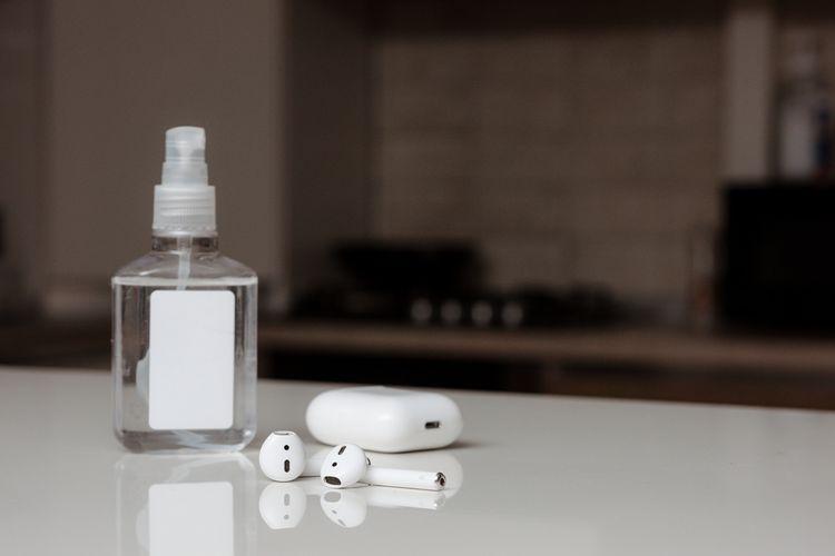 Ako čistiť slúchadlá do uší