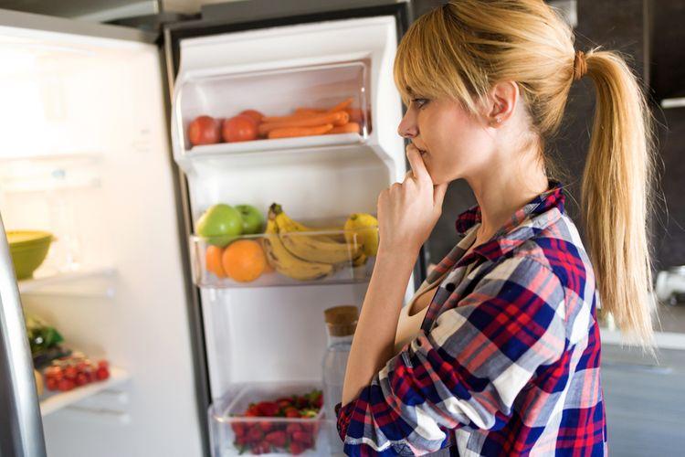 Pozeranie do chladničky kvôli hluku