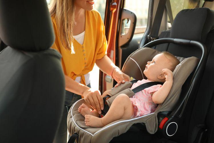 Dieťa v detskej autosedačke