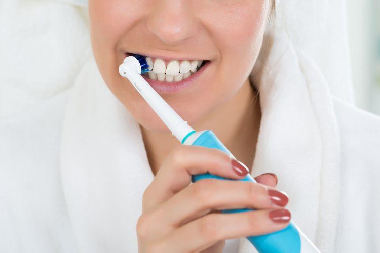 Ako vybrať elektrickú zubnú kefku. Sonickú alebo rotačnú?
