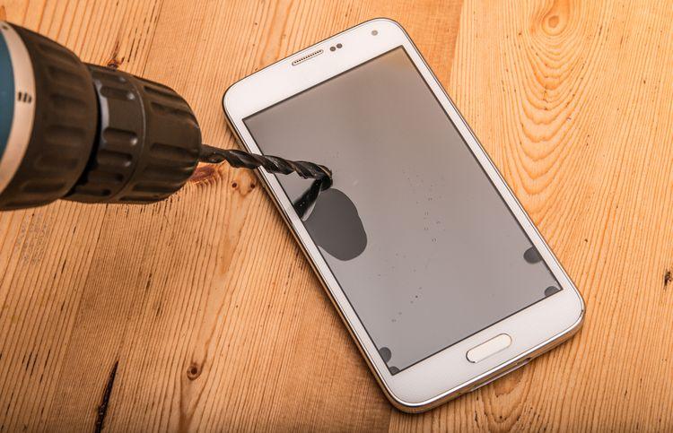 Chytrý telefón s nerozbitným displejom