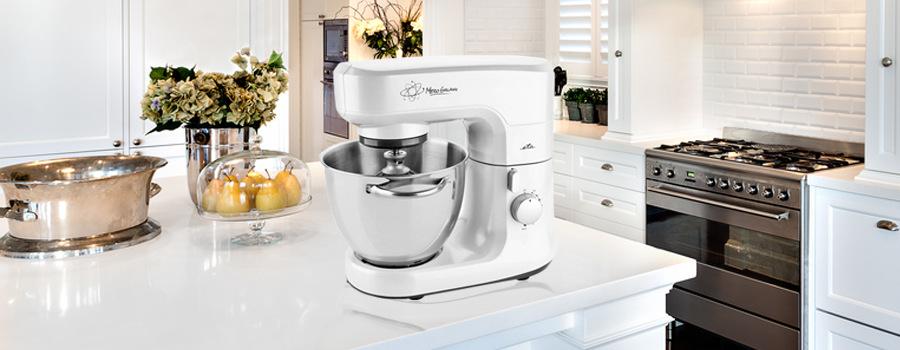 Biely kuchynský robot