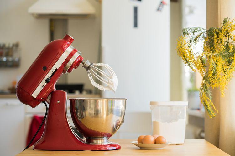Červený kuchynský robot