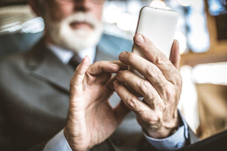 Ako vybrať mobilný telefón pre seniora?