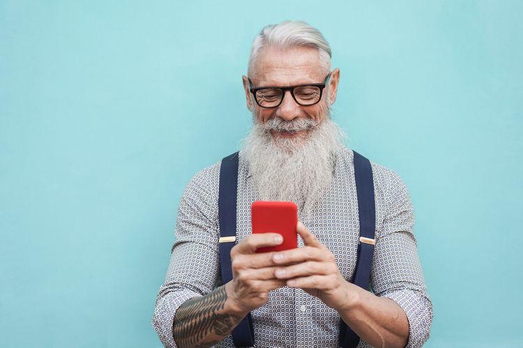 Dotykový mobilný telefón pre seniorov