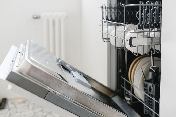 Otvorená umývačka riadu