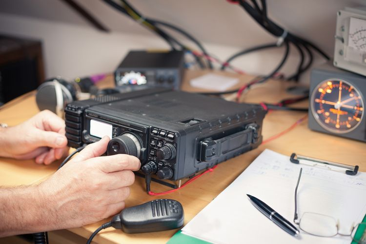 Vysielačka na diaľku používajúca CB pásmo