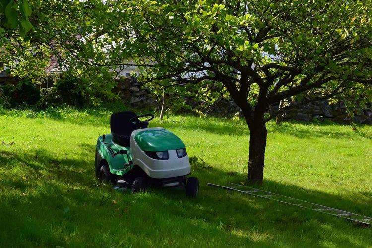 Malý záhradný traktor