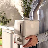 Suchý vzduch spôsobuje kašeľ, chrápanie i upchatý nos. Ako  zvlhčiť vzduch pre bábätko i dospelých?