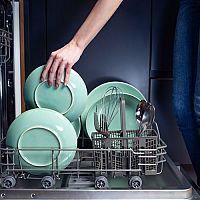Výhody a nevýhody umývania riadu v umývačke