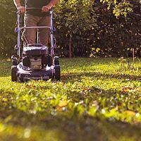 Elektrické a benzínové záhradné kosačky - Ako vybrať kosačku